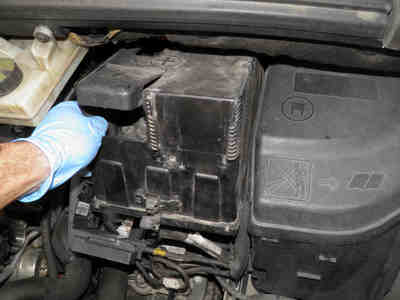 How To Remove The Battery Of A Peugeot 3008 Or 5008
