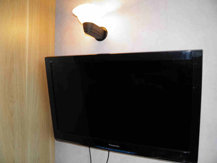 how to hang the tv to the wall