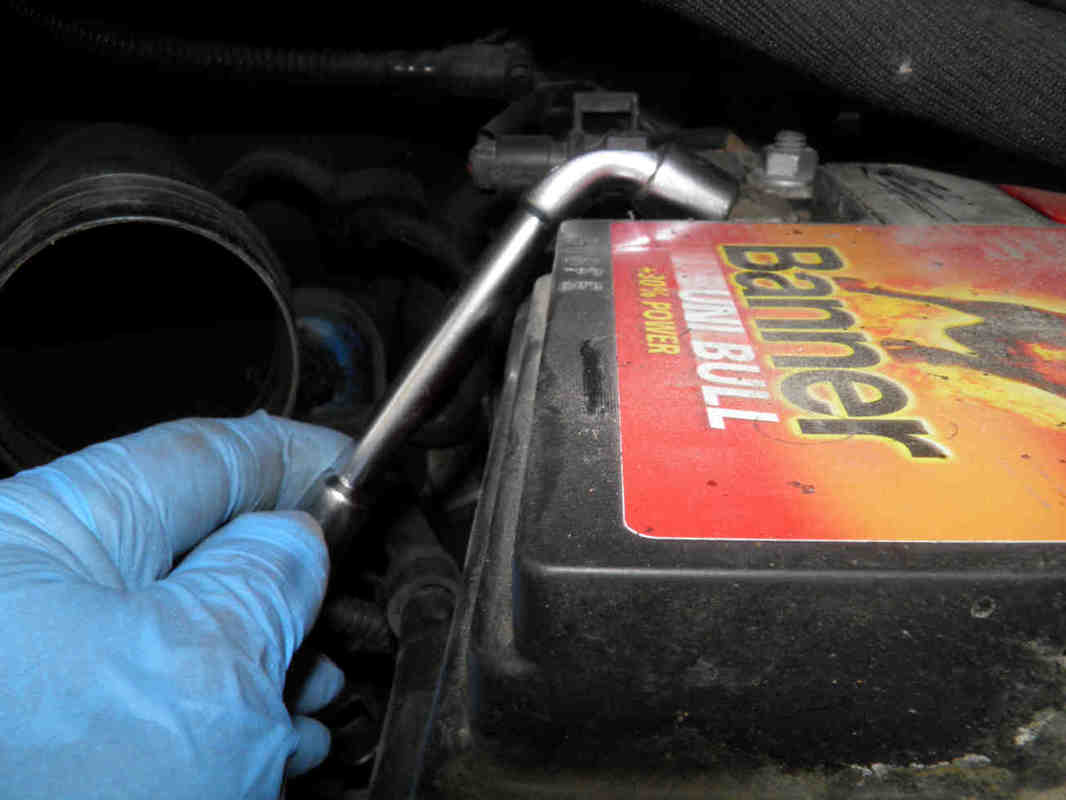 Peugeot 3008 battery removal